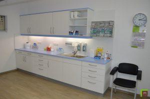 Praxis Einrichtung Labor