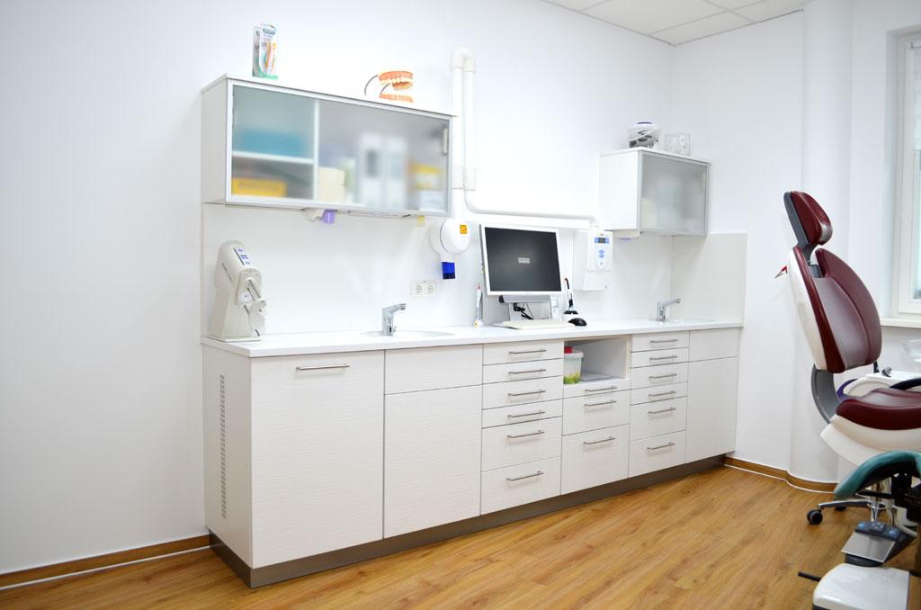Praxiseinrichtung-Dental