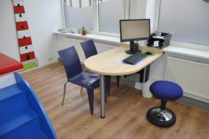 Schreibtisch Kinderarzt-ki08