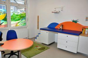Behandlungsmoebel Kinderarzt