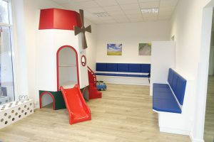 Wartezimmer Kinderarzt-ki21